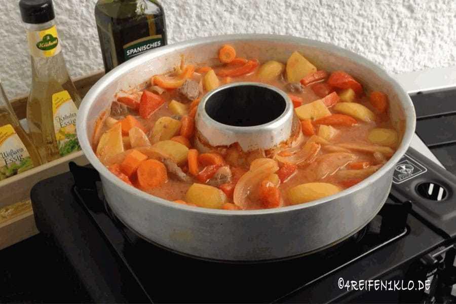 Kartoffel-Schaschlik-Topf Rezept für den Omnia-Backofen