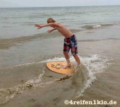 gironde-surfen am strand-kind sein