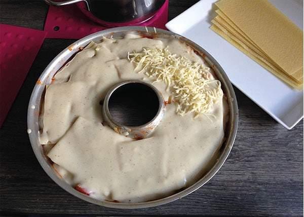Lasagne mit Käse aus dem Omnia-Ofen