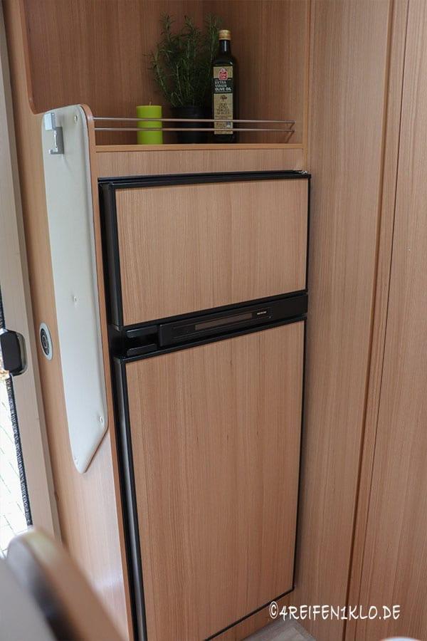 Kühlschrank im Ahorn Canada AE
