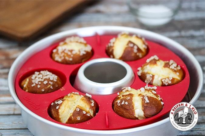 Laugenmuffins mit der Omnia Muffinform